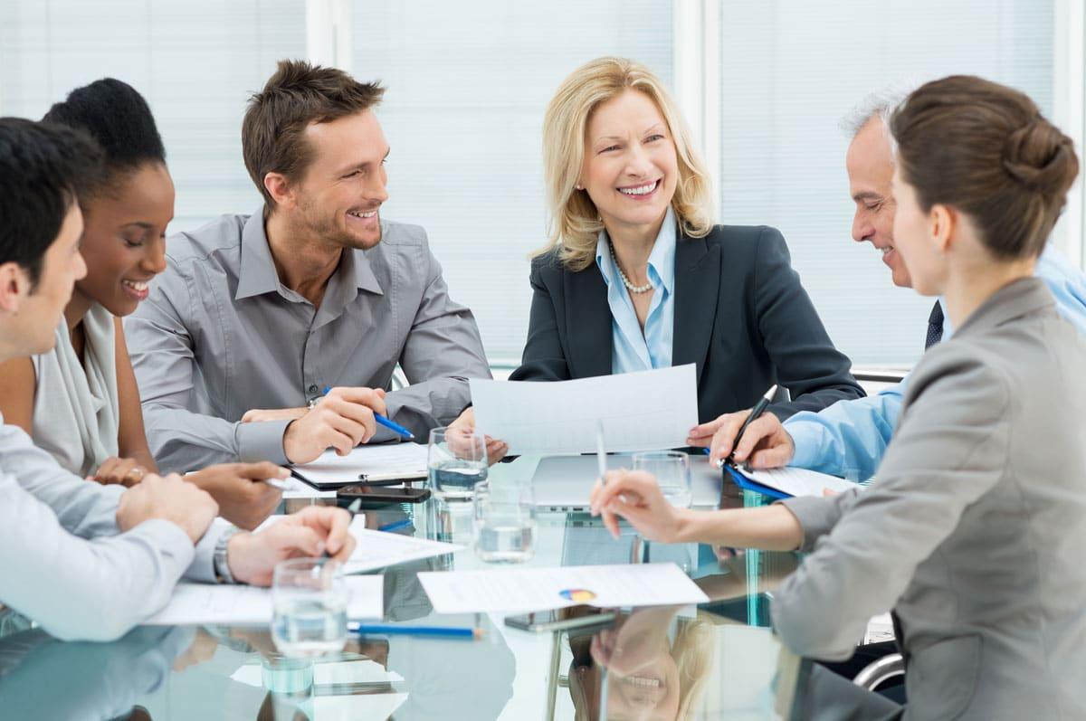 Meeting mit sechs Personen